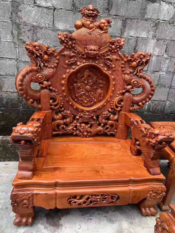 一套精品的缅甸花梨宝鼎沙发,器型好,纹理漂亮厂家