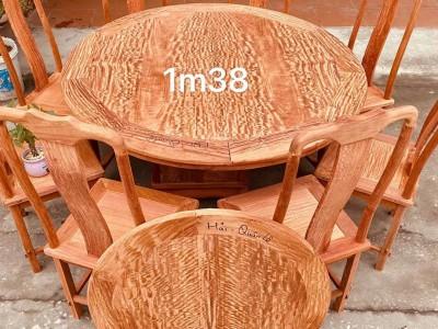 白胚大果紫檀圆餐桌红木家具