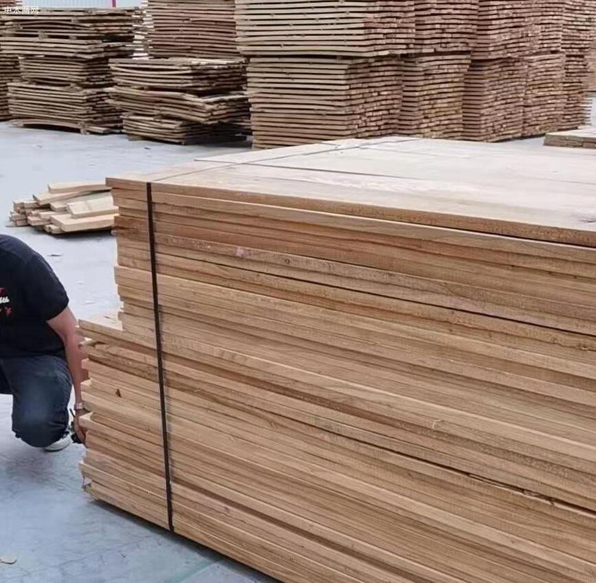 临颍榆木板材高清图片效果图