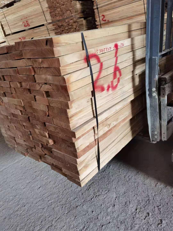 临颍榆木板材高清图片品牌