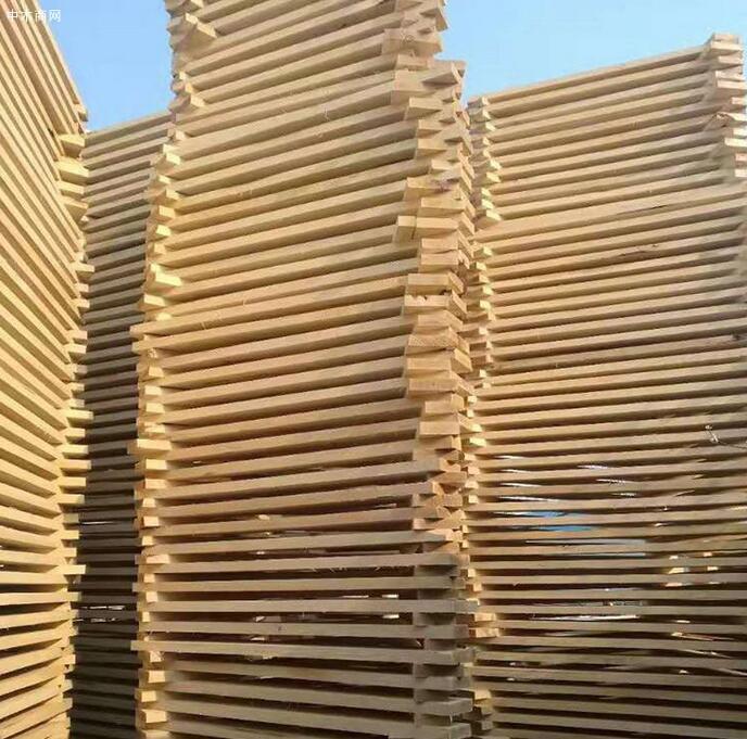 临颍白杨木板材价格有多贵批发
