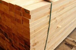 菏泽胡集镇板材产业发展带动群众增收
