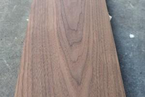 美国黑胡桃木实木家具板材高清图片