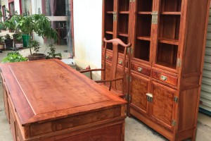 缅甸花梨木写字台最新价格