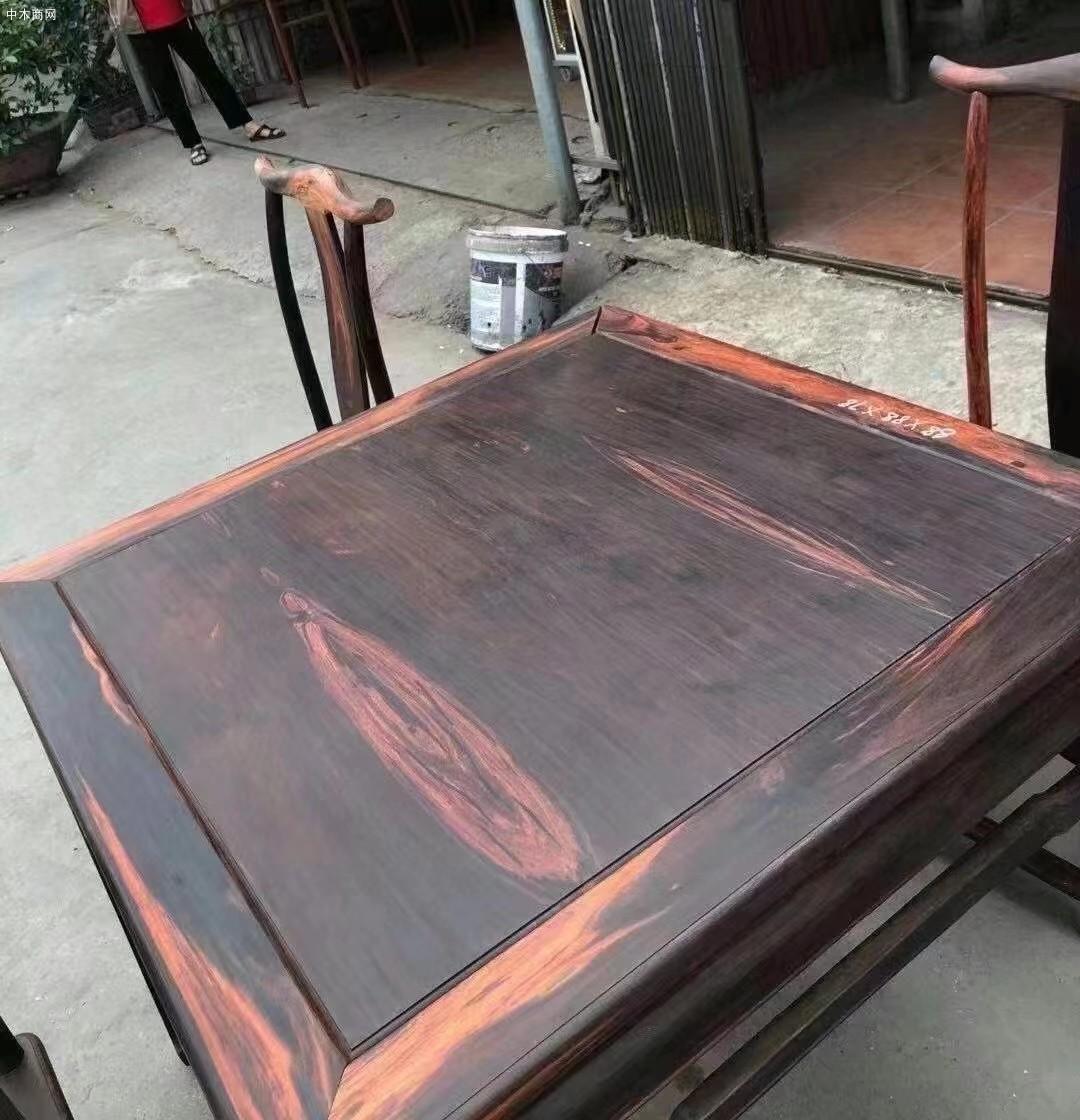 大红酸枝八仙桌厂家直销图片