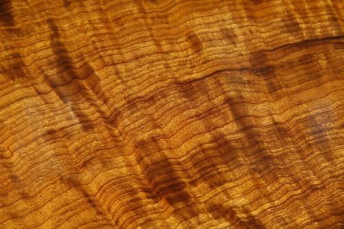 金丝楠木的习性、特点、和味道价格