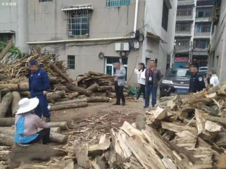 凯里炉山一木材加工厂非法经营被拆除