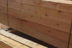 俄罗斯樟子松防腐木材料图片