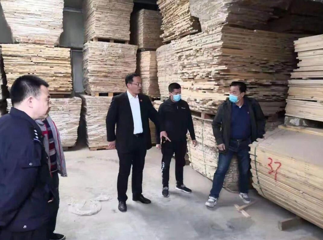 40方木材消失,胶州法院多方查找,最终返还