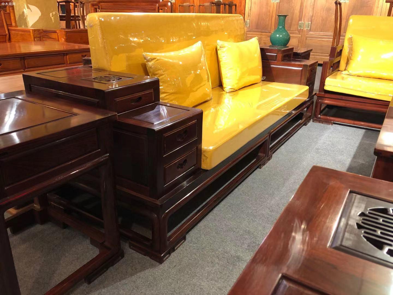 高端大气上档次花枝客厅新中式沙发五件套高清图片