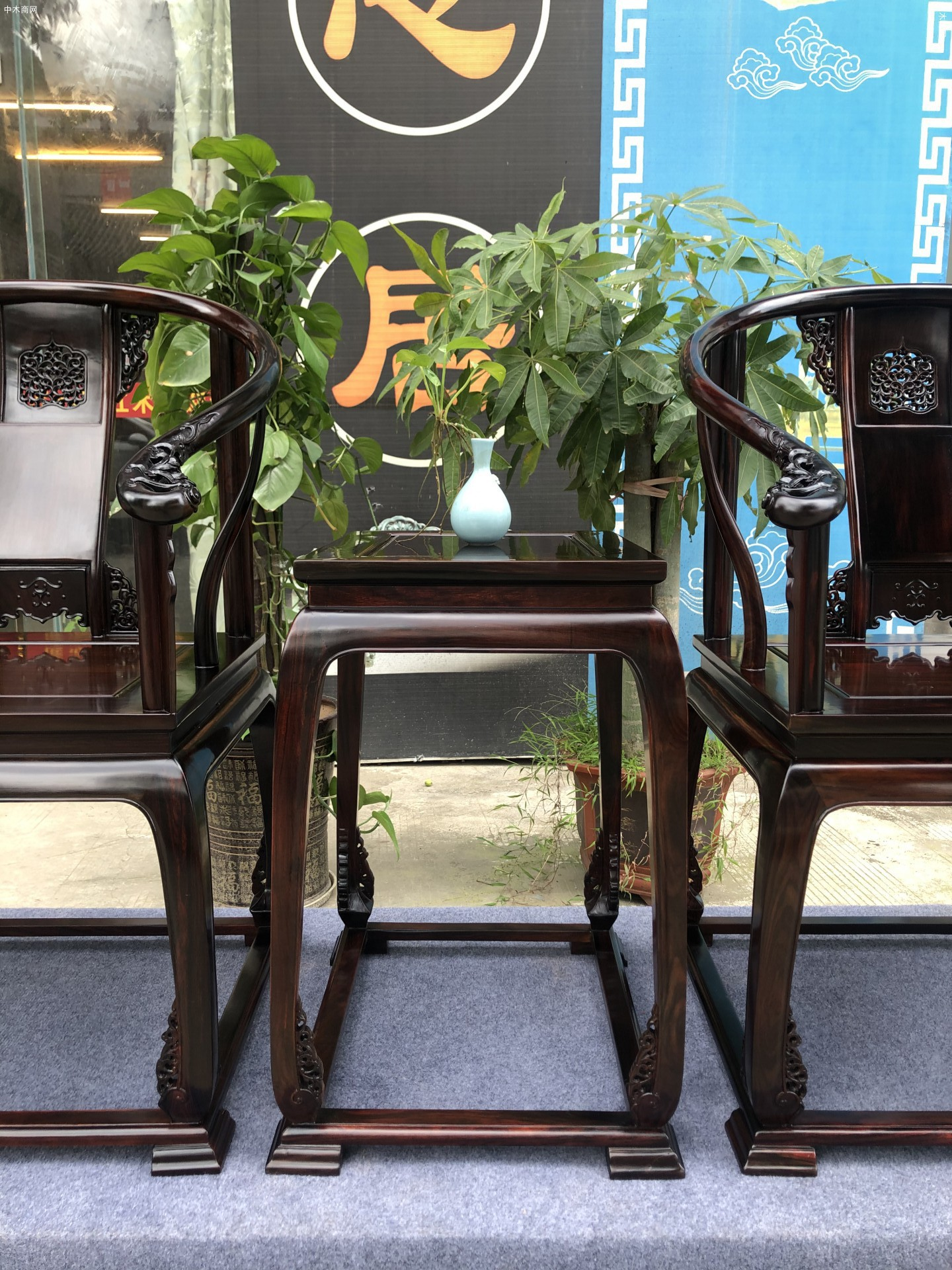 皇宫椅还是交趾黄檀大红酸枝的好厂家