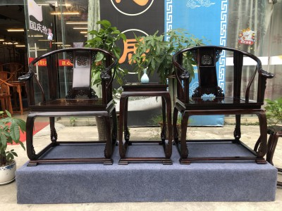 顶级品质交趾黄檀老挝大红酸枝皇宫椅3件套要多少材料?