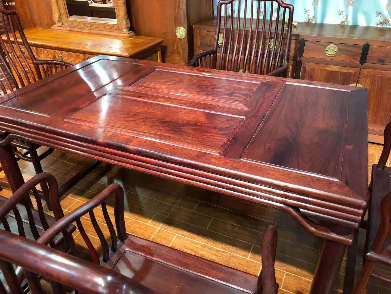 红木家具里的花枝茶台一般是什么木呢价格