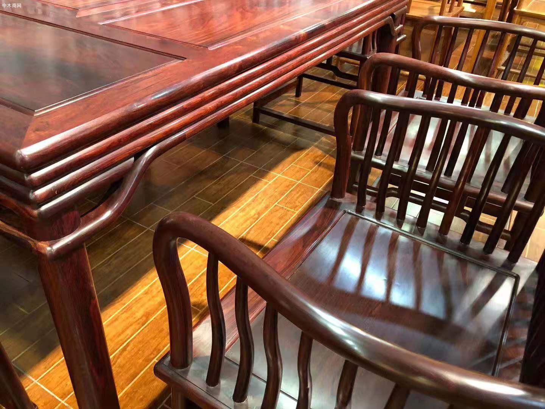 红木家具里的花枝茶台一般是什么木呢供应