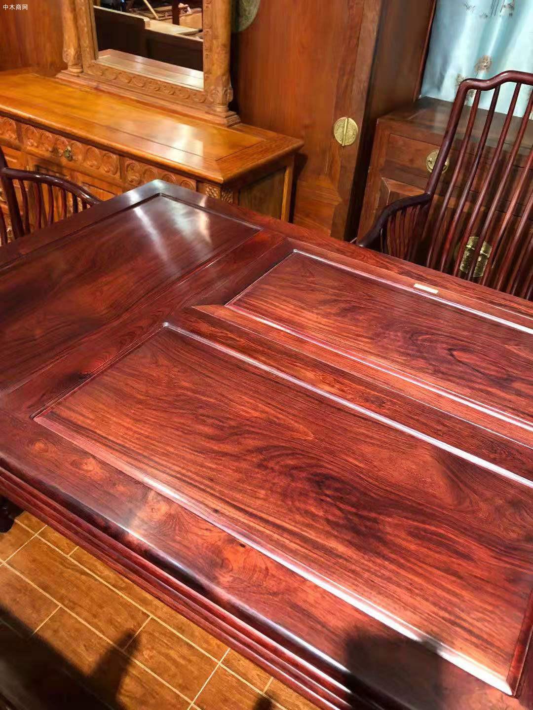 红木家具里的花枝茶台一般是什么木呢品牌