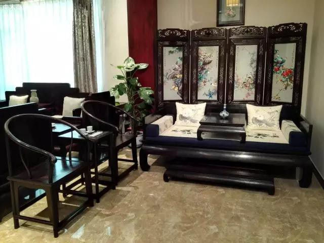 什么是红木家具罗汉床以及罗汉床的摆放位置有什么禁忌图片