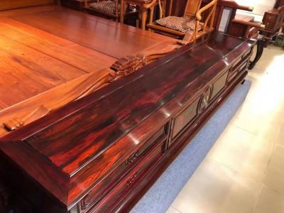 工艺精湛交趾黄檀(大红酸枝)两米四加长独板电视柜有收藏价值