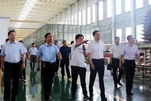临沂兰山区委领导调研木业产业转型升级工作