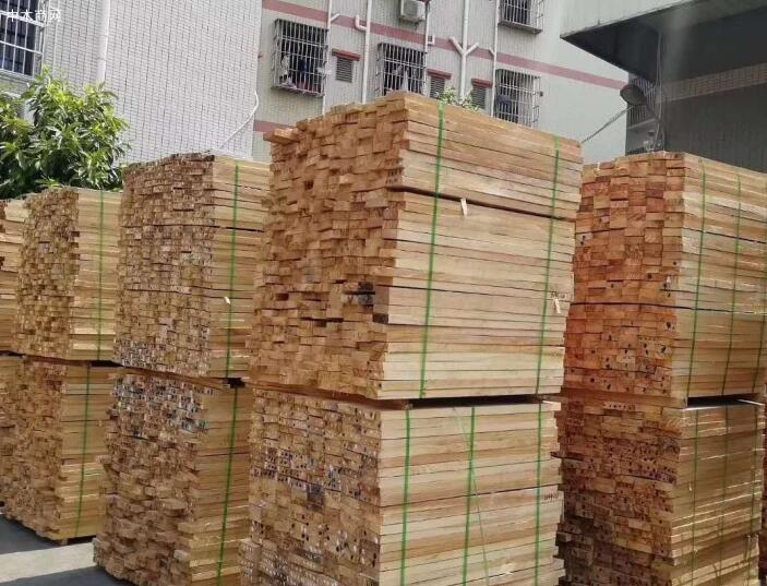 """橡胶木市场出现""""双减""""现象"""